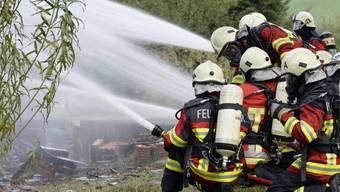 Feuerwehrleute im Einsatz: Es gibt Aargauer Feuerwehren mit Unterbestand