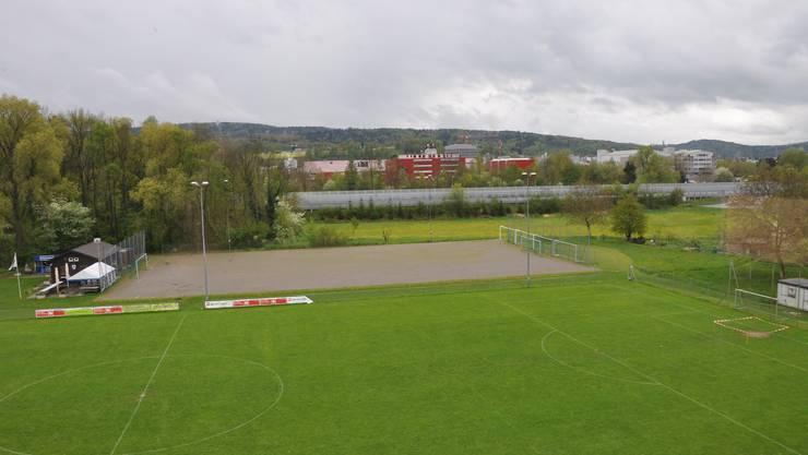 Das neue Sportplatz-Projekt kostet nur noch 900 000 Franken. Jenes, das im Juli 2014 an der Urne verworfen wurde, war mehr als vier Mal so teuer.