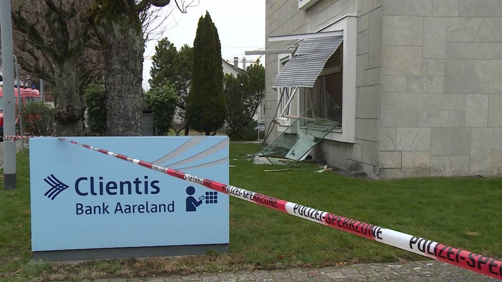 Küttigen (AG): Bankomat gesprengt - Täterschaft auf der Flucht