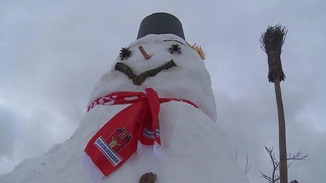 Grösster Schneemann in der Region