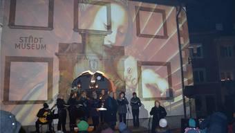 Auf die Mauern des Stadtmuseums wurden am klingenden Lichterfest verschiedene Bilder projiziert.