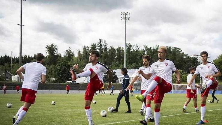 Die Spieler des FC Thun bei der Matchvorbereitung in Aarau