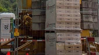 Stein des Anstosses in Holderbank: Der Baukran auf der Strasse führte zu einer Aufsichtsanzeige beim Kanton.