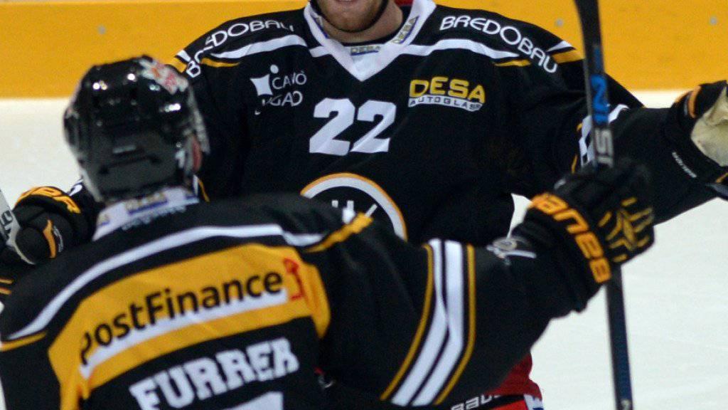 Stefan Ulmer (Nummer 22) bleibt bis 2019 beim HC Lugano