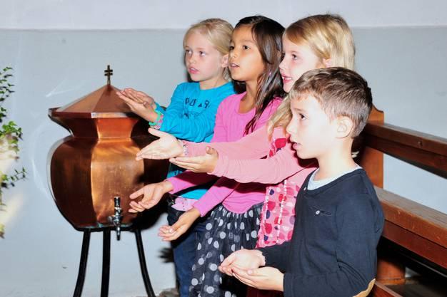Es wurde nicht nur vorgelesen, sondern auch gesungen und sogar getanzt in der Kapelle.