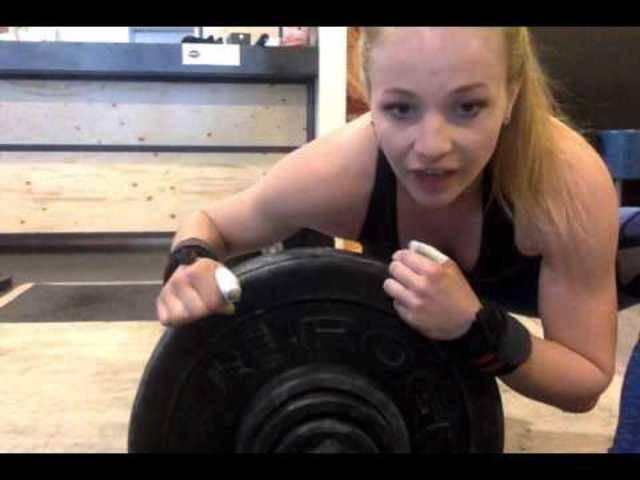 Die Basler Crossfitterin und Gewichtheberin Jessica Preiss in Aktion