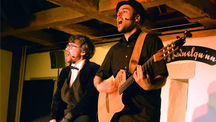 Die Liedermacher De Roesch (links) und de Roche. Samuel Frey