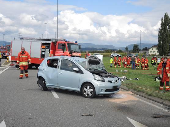 Zahlreiche Rettungskräfte waren wenig später auf der Unfallstelle.