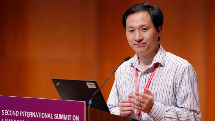 «Auf diesen speziellen Fall bin ich wirklich stolz»: Jiankui He, Biologieprofessor an der Universität Sustech in Shenzen, in seinem Referat am Gen-Gipfel in Hongkong.