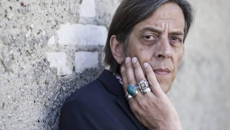 Wenn Autor Pedro Lenz über Fussball spricht, sind sogar die Intellektuellen überzeugt, dass Poesie und Sinnlichkeit in der Sportart stecken. (Archivbild)