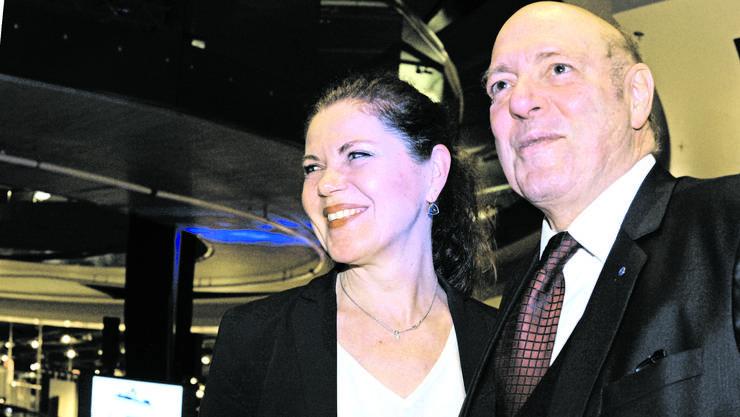 Verliebt, verlobt, politisch weitgehend im Einklang und in ihren Berufen erfolgreich: die künftige Frau Giezendanner und Managerin Roberta Baumann und der «Fuhrhalter der Nation», Ulrich Giezendanner.