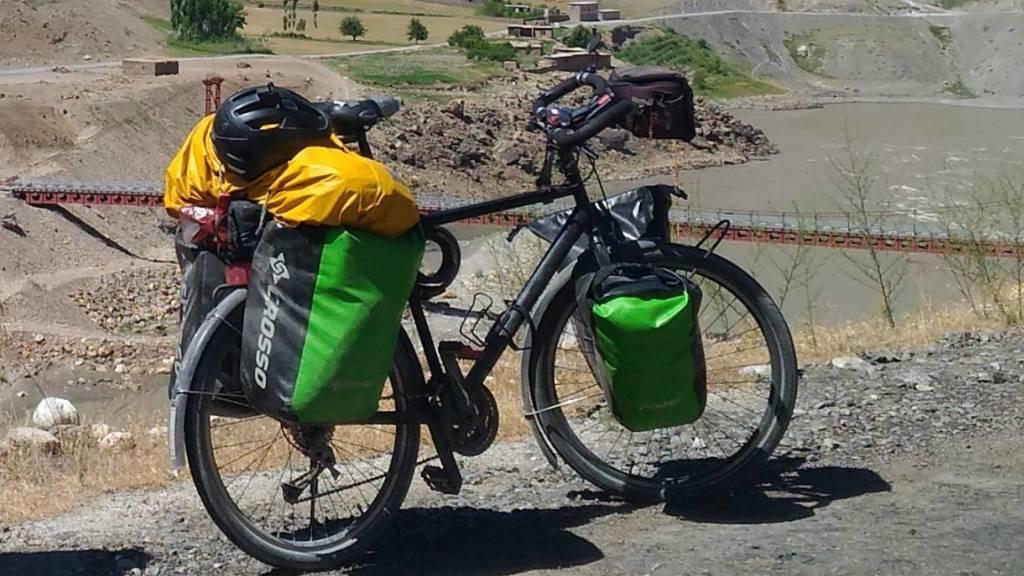 Dieses Foto des geklauten Velos postete der Weltreisende auf Facebook. Mittlerweile ist er wieder unterwegs - mit dem Mountainbike eines Freundes.