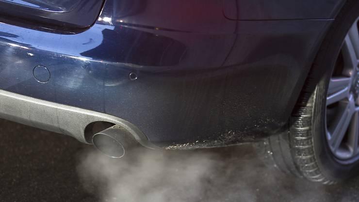Benzinbetriebene Autos sind nicht unweltfreundlicher als Dieselfahrzeuge. Zu diesem Schluss kommen Forscher in der Schweiz.