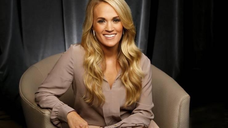 Das Handgelenk ist verheilt, die Wunden im Gesicht geschlossen: Nach ihrem schweren Treppensturz letzten November ist die Country-Sängerin Carrie Underwood fast wieder die alte. (Archivbild)