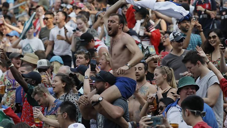 Die Sportfans in Hongkong wären sehr begeisterungsfähig. Hier zeigen sie es an einem Rugbyturnier