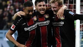 Der Leverkusener Angriff mit Karim Bellarabi, Kevin Volland und Julian Brandt (von links) zündet in Mainz ein Offensivfeuerwerk