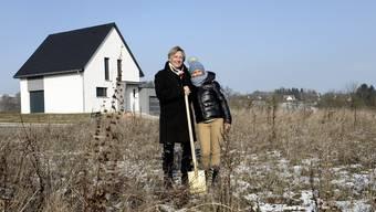 «Dann gab es ein ‹Wow!› – und jetzt bauen wir halt»: Die Auswanderer Jeannine Pennesi und Patrick Herr in Hagenthal-le-Bas.