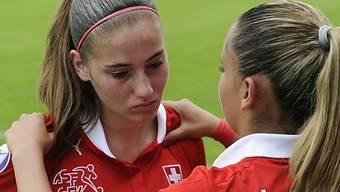 Enttäuschte Schweizer Fussballerinnen.