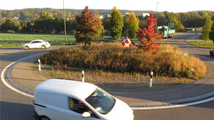 Zu den Hauptverkehrszeiten kommt es beim Kreisel beim Laufenburger Grenzübergang zu Kapazitätsengpässen.