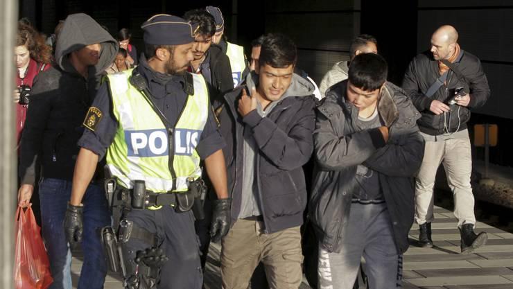 Von der Polizei kontrolliert: Nach Schweden Einreisende in Malmö.