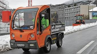 Künftig soll der Fuhrpark kein CO2 mehr ausstossen (im Bild ein elektrisch betriebenes Kommunalfahrzeug des Werkhofs).