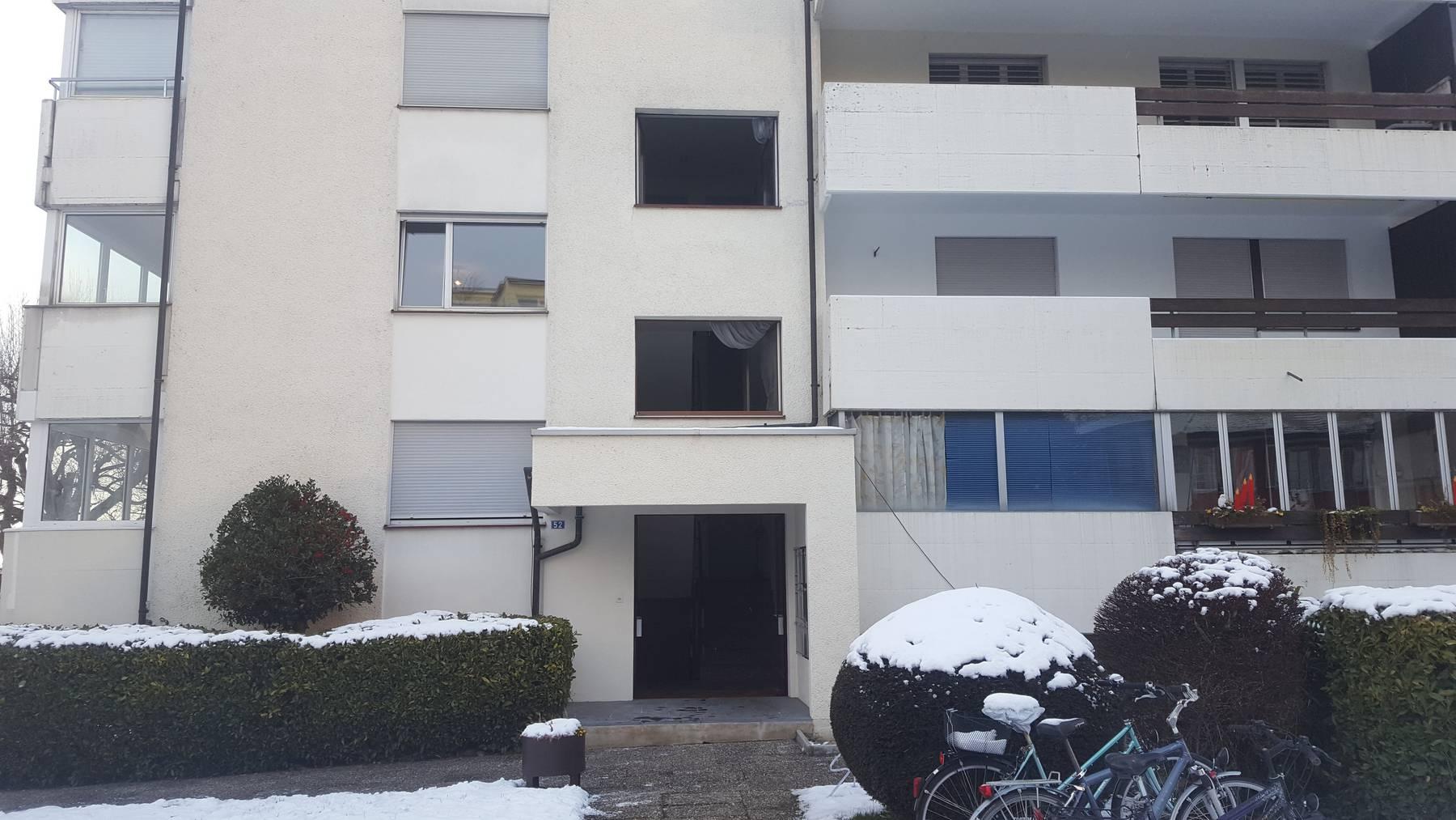 In diesen Mehrfamilienhaus in Horn hat es am frühen Freitagmorgen gebrannt