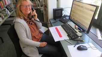 Kultursekretärin Claudia Nick telefonierte mit den Leuten über 75 Jahren.