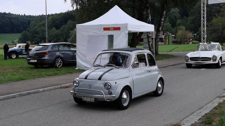 Der Fiat 500 gehört zu den kleinsten Fahrzeugen.