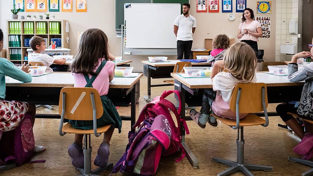 Appenzell Ausserrhoden will junge Lehrerinnen und Lehrer besser entlöhnen. (Symbolbild)