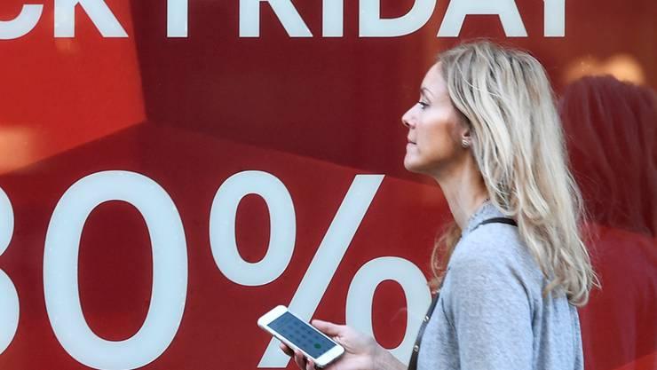 Konsumenten achten beim Einkauf hauptsächlich auf den Preis. Bieri/Key