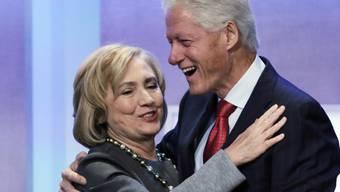 Hillary und Bill Clinton (Archiv)