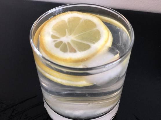 Die Zitrone ist eine Vitaminbombe. Wichtig: Die Früchte sollten nicht behandelt sein.