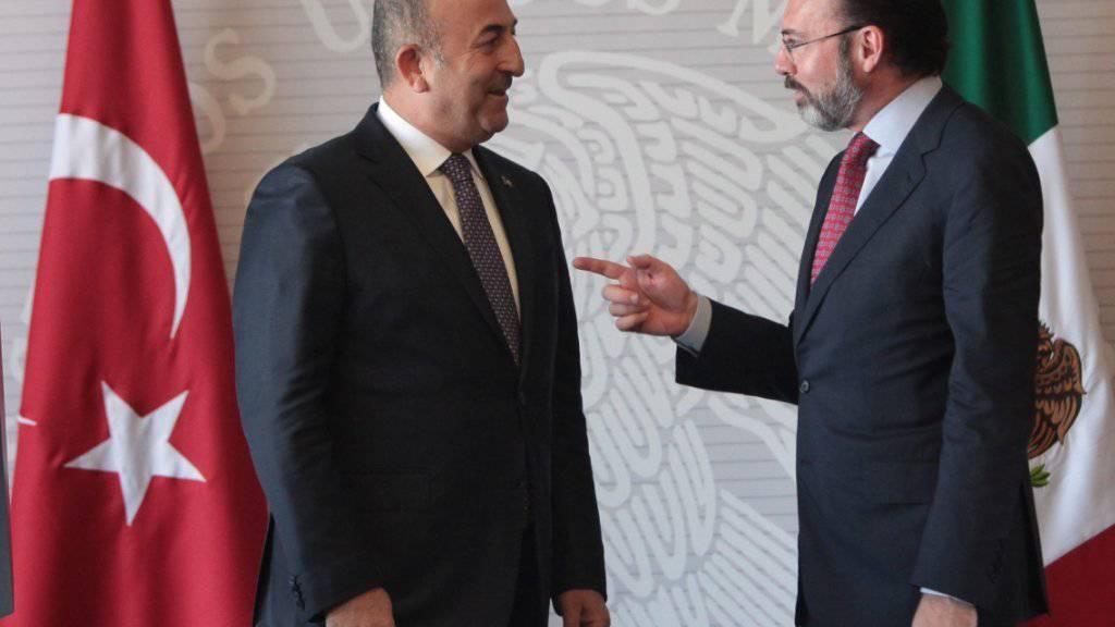 Aussenminister Cavusoglu (linkes) und Videgaray vor ihrer gemeinsamen Pressekonferenz in Mexiko-Stadt.