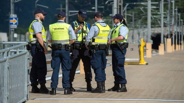 Das Unternehmen Securitrans ist für die Sicherheit in den Bahnhöfen und auf den Baustellen der der SBB zuständig. (Symbolbild)