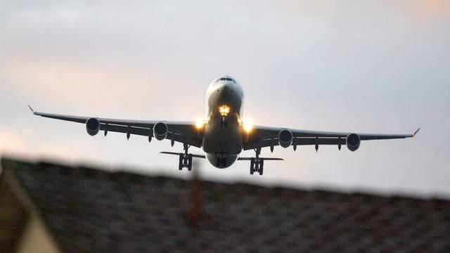 Der Fluglärm-Staatsvertrag wird im nächsten Jahr im eidgenössischen Parlament behandelt (Symbolbild)
