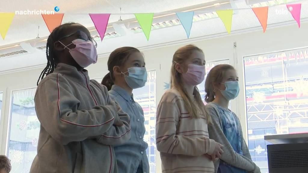 Ein Schulstart mit Schutzmasken in Luzern