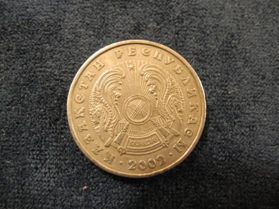 ... oder sogar Kasachstan. Manche Leute machen sich wohl extra Mühe, spezielle Münzen zu finden.