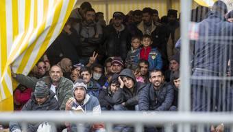 Flüchtlinge an der slowenisch-österreichischen Grenze in Spielfeld.ERWIN SCHERIAU/EPA/KEYSTONE