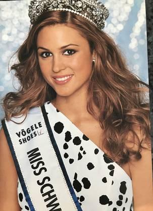 2001 wurde die Krone Jennifer Ann Gerber aufgesetzt.