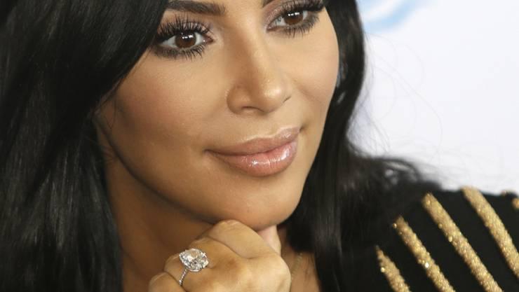 Wussten die Täter, dass Kim Kardashian in der Nacht auf Montag unbewacht war? Über diese These berichten am Dienstag die US-Medien. (Archivbild)