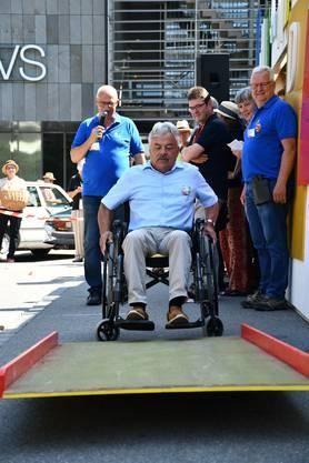 Impression vom Sonntag: Rollstuhl-Parcours vom Verein Rollstuhlfahrdienst Region Brugg, Schwinger-Brunch im Lasso und Oldtimer-Ausstellung.
