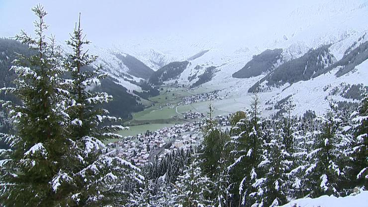 Die Schneefallgrenze sank am Wochenende erstmals unter 2000 Meter. (Archiv)