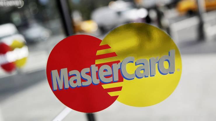 Mastercard will Smartphones zum Zahlterminal machen.
