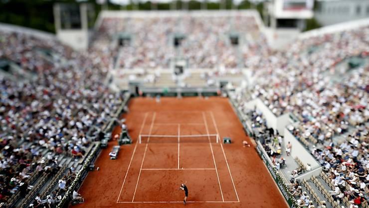So voll wird es beim French Open in diesem Jahr mit Sicherheit nicht sein. Auf den beiden grössten Courts, im Bild der Court Suzanne-Lenglen, sollen maximal 5000 Fans beherbergen