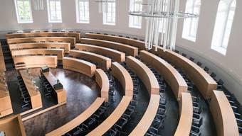 So leer präsentiert sich der Grossratssaal in Aarau seit Wochen. Die letzte Parlamentssitzung hat am 8. Januar stattgefunden.