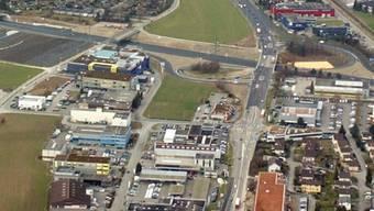 Der Elektromarkt will auf der Wiese zwischen dem Birchicenter und McDonalds bauen.
