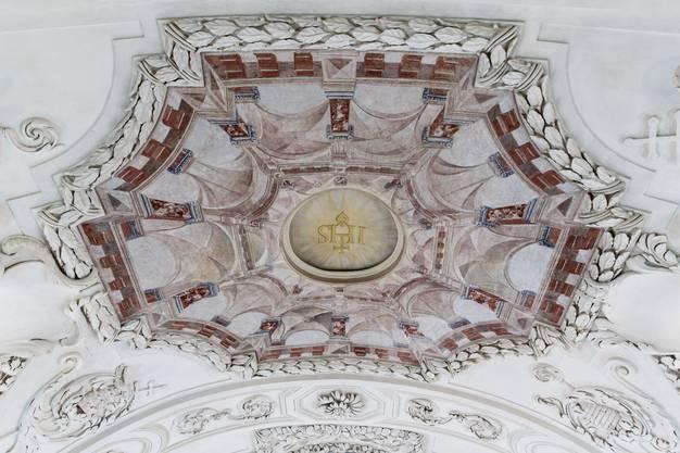 Restaurierte Fresken und Wandmalereien