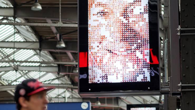 Digitale Werbeflächen sollen am HB Zürich eine Woche lang schwarz sein.KEY