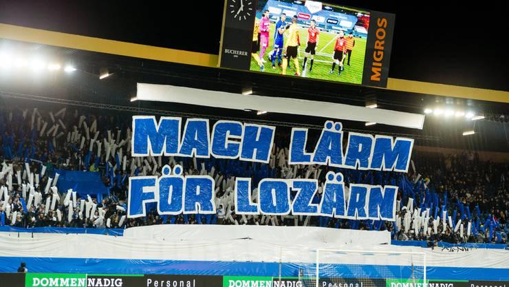 Choreo der Fans vor dem Super League Spiel zwischen dem FC Luzern und den Young Boys Bern am 1. Februar 2020 in der Swissporarena.