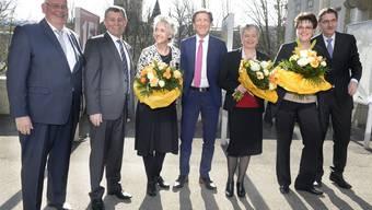 Der neue Zürcher Regierungsrat mit Markus Kägi, (SVP), Ernst Stocker, (SVP), Carmen Walker Späh, (FDP),Thomas Heiniger (FDP), Jacqueline Fehr, (SP), Silvia Steiner (CVP) und Mario Fehr, (SP).